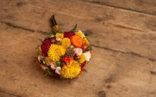 Как выбрать свадебный букет: практическое руководство к действию. Сочетание цветов букета невесты и свадебного платья: фото и полезные советы