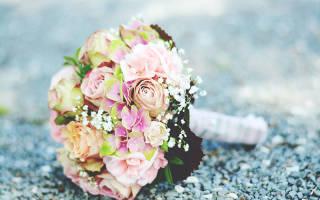 Нужно ли жениху дарить цветы невесте. Обязательно ли дарить на свадьбу цветы. Какие дарят цветы фото